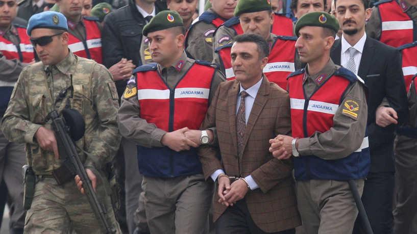 أحكام السجن مدى الحياة على مئات المتهمين بمحاولة الانقلاب على الرئيس التركي اردوغان عام 2016