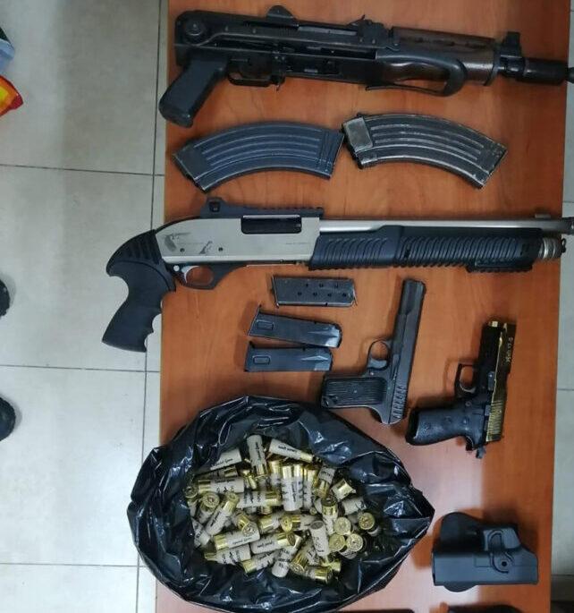 القبض على 10 مطلوبين بقضايا فرض الاتاوات وترويع المواطنين