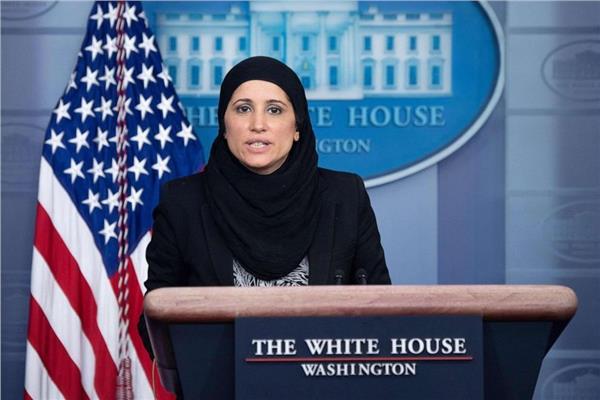 «سميرة فازيلي» ذات الاصل الكشميري.. أول محجبة تعمل في البيت الأبيض