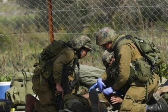 شخصان يهاجمان جنديا إسرائيليا وينتزعان سلاحه ويلوذان بالفرار
