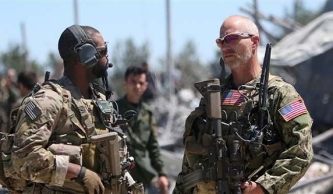 فضيحة من العيار الثقيل.. الضباط الأمريكان في سوريا يسرقون رواتب المسلحين المرتزقة العاملين تحت امرتهم