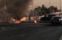 قطع طرق في لبنان احتجاجا على غلاء المعيشة وتردي الخدمات وارتفاع سعر صرف الدولار/ فيديو