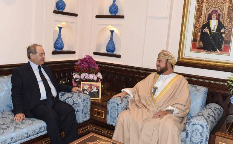 سلطنة عُمان تمهد لمشاركة سوريا بالقمة العربية المقبلة، والوزير فيصل المقداد يحظى باحتفاء سياسي كبير في مسقط