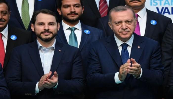 اردوغان يحول تركيا الى مزرعة خاصة ويقيل محافظ البنك المركزي لاعادة صهره المدلل
