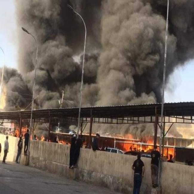 اخماد حريق ضخم في سوق البالة بالزرقاء.. ولا اصابات