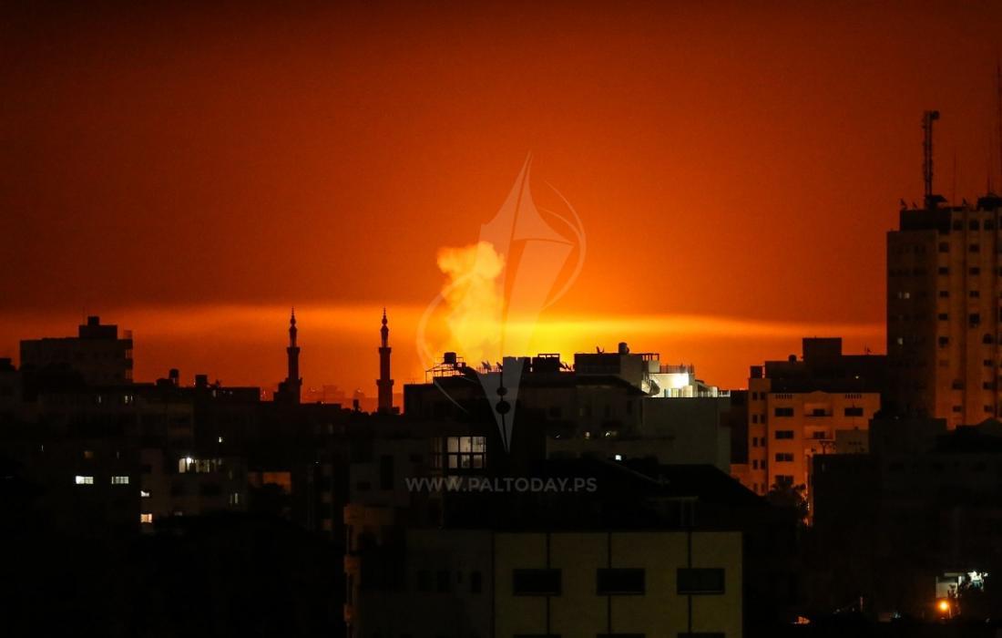 الطائرات الحربية الإسرائيلية تغير فجر اليوم الجمعة على قطاع غزة بدعوى الرد على صاروخ انطلق منه