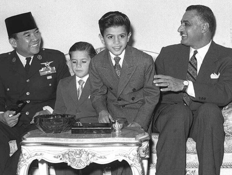 وثائق سرية: هكذا انتحلت بريطانيا اسم الإخوان المسلمين في حربها على عبد ناصر وسوكارنو