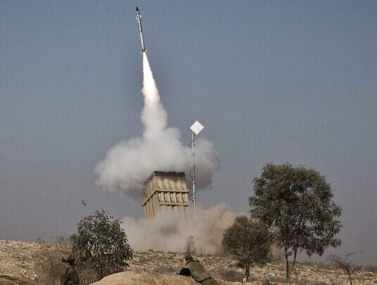 سفير اسرائيلي يعترف بالفشل في اعتراض صاروخ الجيش السوري