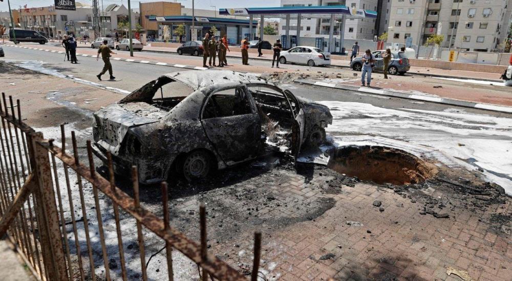 مقتل إسرائيليين اثنين حتى الآن، وإصابة آخرين بجروح خطيرة في قصف بصواريخ المقاومة طال مبنيين في عسقلان.