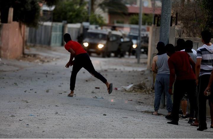 علاوة على المواجهات العنيفة مع الاحتلال.. الضفة تدخل اليوم على خط الاشتباكات المسلحة نصرة للقدس وغزة/ فيديو