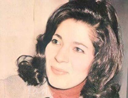 رحيل الشاعرة العراقية لميعة عباس عمارة عن 92 عاماً