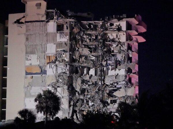 مصرع 20 اسرائيلياً في انهيار مبنى بالقرب من ميامي بامريكا