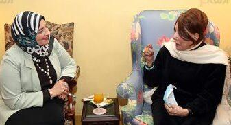 لبنى عبد العزيز تكشف تفاصيل علاقتها الخاصة برشدي أباظة/ فيديو
