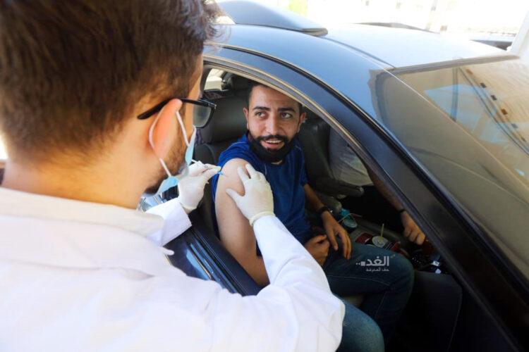 تطعيم من هم فوق 18 عاما دون موعد ابتداء من اليوم الخميس