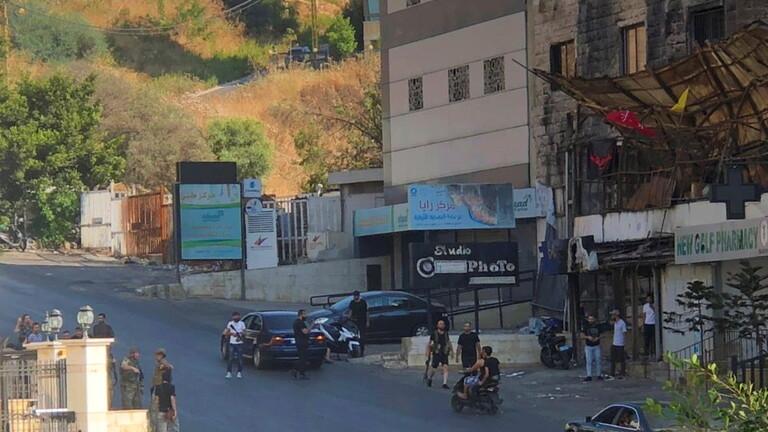 قيادة حزب الله تتابع موضوع اغتيال احد عناصره، والاعتداء على جنازته وتطالب الجيش والامن بالتدخل الحاسم/ فيديو
