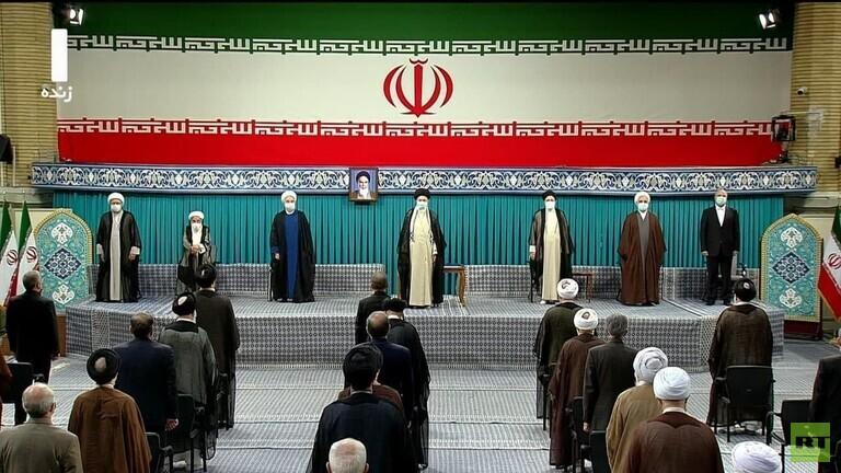 رئيسي خلال تنصيبه: اتيت من أجل خدمة الشعب، وحل العقد والمشاكل التي يعاني منها الايرانيون وتحكيم العدالة