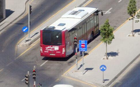 اعتقال صاحب سوابق اعتدى على سائق الباص السريع بصويلح