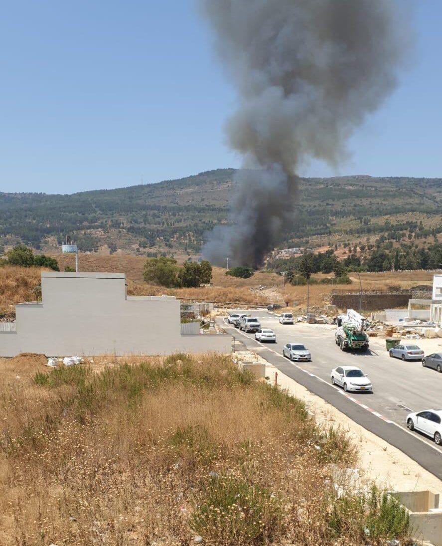 الجيش الإسرائيلي يعلن إطلاق صافرات الإنذار عند الحدود مع لبنان وسط أنباء عن سقوط 3 صواريخ والرد عليها/ فيديو