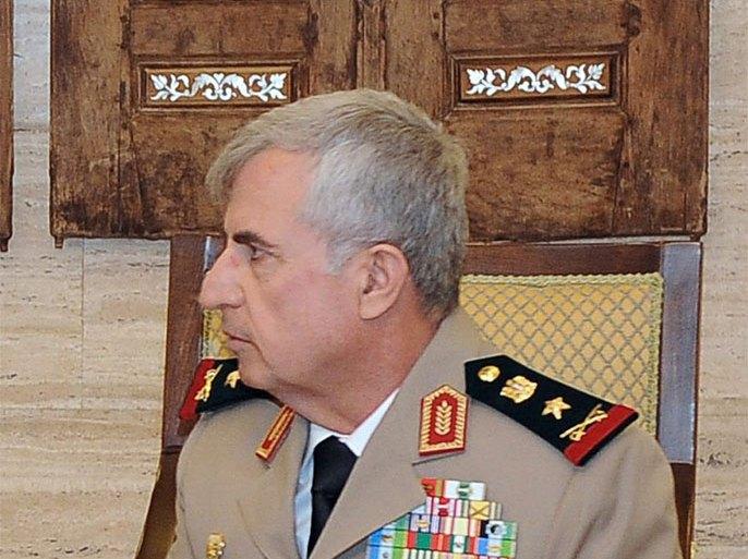 في حدث بالغ الدلالة والاهمية.. رئيس الأركان يستقبل وزير الدفاع السوري لتنسيق الجهود لضمان أمن الحدود المشتركة